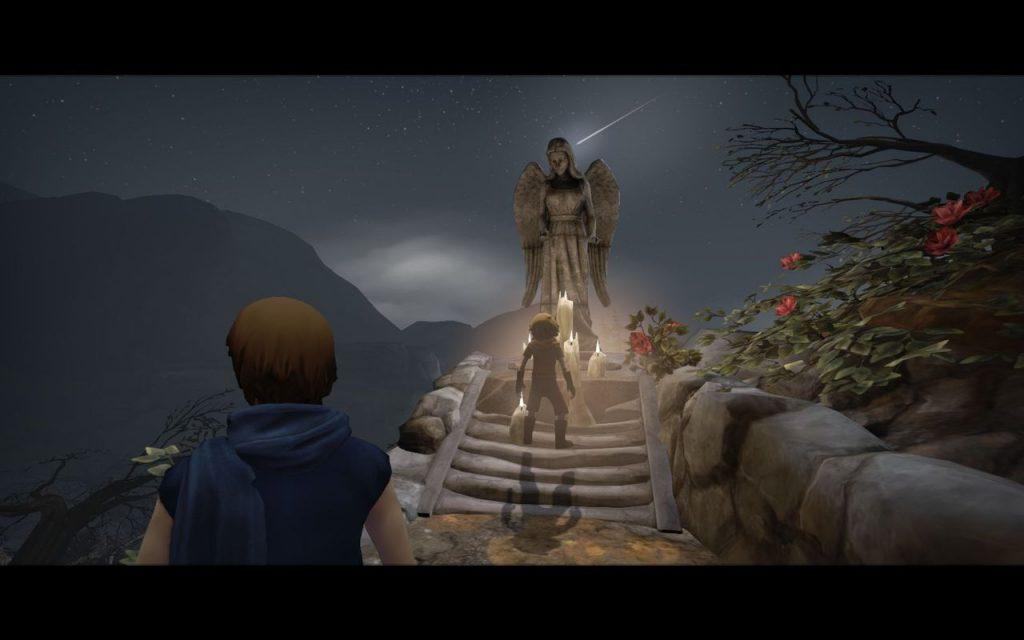 Au premier plan le grand frère de dos. Plus loin le petit frère devant une statue de femme type vierge marie, la nuit, avec des bougies à ses pieds.